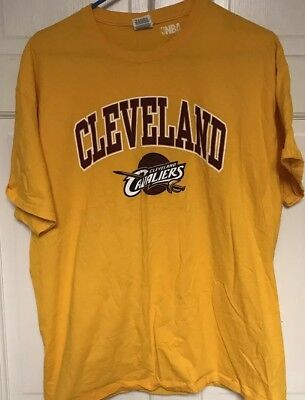a6151ecf2 NBA CLEVELAND CAVALIERS Mens T-Shirt Basketball Size Medium Large ...