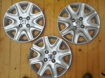 3 used genuine Peugeot 207 wheel trims