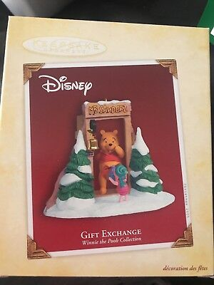 Hallmark Ornament 2005 Gift Exchanged  New Disney's Winnie the Pooh Fabulous