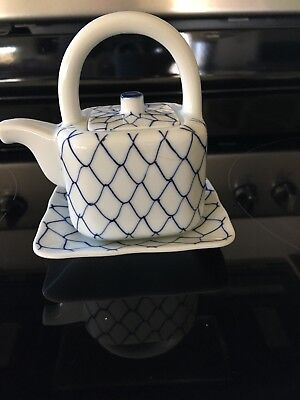 Vintage Small Chinese Porcelain Blue White Teapot With Tray