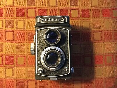Yashica A Twin Lens Rflex Camera with Lens Cover- Excellent Condiion