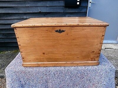LOVELY 19th CENTURY PINE SMALL BIBLE TRINKET BLANKET BOX CHEST TRUNK ANTIQUE