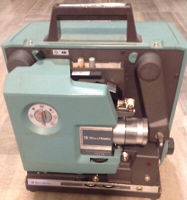 Bell & Howell 16mm FilmSound Projector - 1592 *TESTED AS IS*