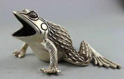 Collectible Old Handwork Tibet Silver Carved Frog Statue