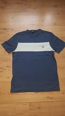 Boys Fred Perry t shirt Size Large Youth