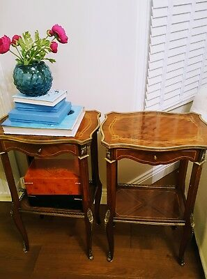 french Louis XV bedside cabinets,night stands Burr Wallnut, very good condition
