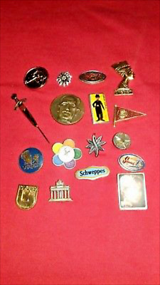 17 Old vintage well-preserved pins ( pin ) Badge charlie chaplin, Schweppes pins