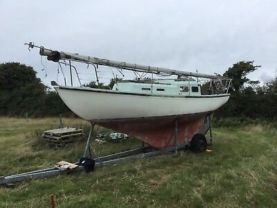 Sailing boat halcyon 27 classic go anywhere sailing boat 1970 needs work