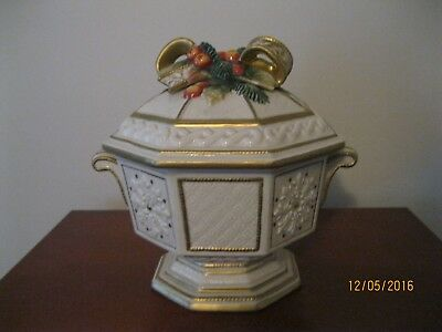 Fitz and Floyd Snowy Woods Soup Tureen and Lid (1214)