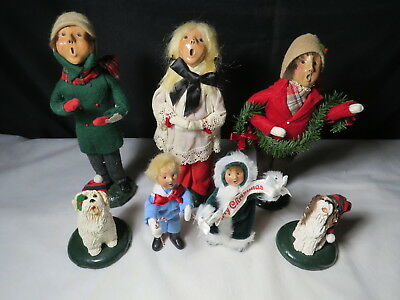 Vintage Lot of 7 Byers Choice The Carolers with Dogs - 1982, 1983, 1988, 1995