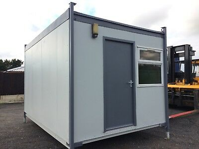 14x9ft Sleeper Unit With Toilet/ Shower / Kitchen Unit / Electric hob / Cabin