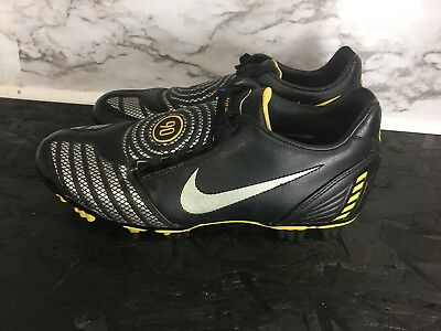 8d9bb1b3f19 MEN S NIKE TOTAL Ninety 90 Soccer Cleats Size 8 Black Silver Lace Up ...