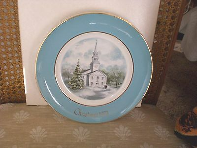 """Vintage Wedgewood England Avon 1974 Christmas Plate """"Country Church"""" in Box"""