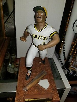 Willie Stargell autograped/signed Statue figurine Pittsburgh Pirates #411/2188