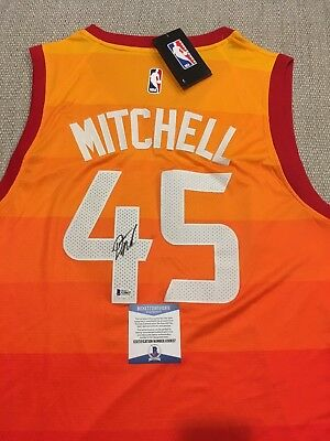 DONOVAN MITCHELL Signed Autographed UTAH JAZZ City Jersey BECKETT BAS COA   PROOF feaa1dba1