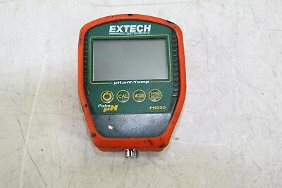 Extech Model PH220 Waterproof Palm PH Meter