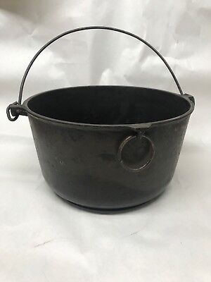 Erie Cast Iron Vintage Antique  4 QTS Yankee Bowl