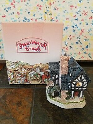 David Winter Cottages: Inglenook Cottage, in original box with COA!