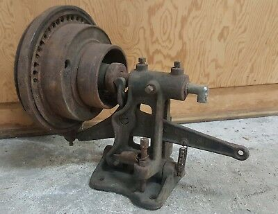 Antique Vintage transmitting friction clutch pulley hit miss sewing machine belt