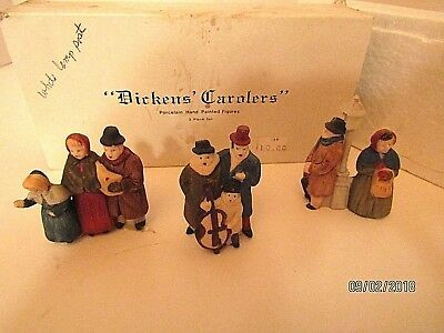 """Dept 56 Heritage Dickens Village Accessory """"dickens Carolers"""" White Post"""
