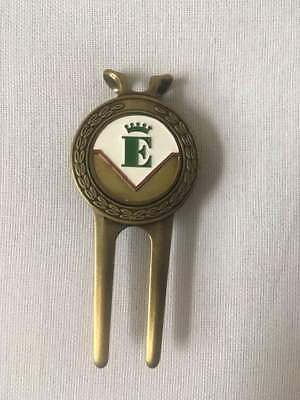 Golf Pitchgabel Golfclub Schloss Egmating USA Patent 4627621 Messing Emaile Top