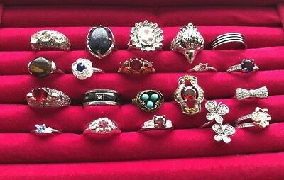 ⭐  Lot Of 20 Rings Vintage~Modern~Rhinestone~Fashion~Cocktail~Costume   ⭐️