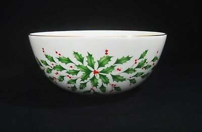 """LENOX  HOLIDAY Dimension Pattern 1- SENTIMENT BOWL """"Home Is Where The Heart Is""""."""
