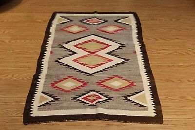 Navajo Rug, 3x5 ft. American Indian from early 1900 authentic Vintage Rug