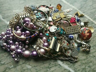Job Lot Of Broken Vintage Jewellery For Crafts, Repairs Etc