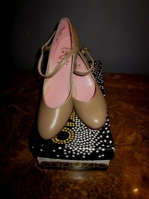 """Capezio Character Shoe Tan #650 Size 5N  2""""Heel Retro New with Box"""