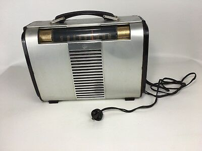 Vintage RCA Victor 1040 Globe Trotter Portable Tube Radio Model 66BX Untested