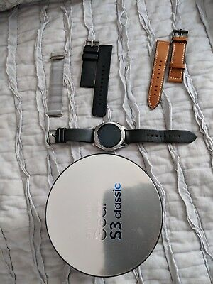 Samsung Gear S3 Classic SmartWatch - With three extra bands and all accessories
