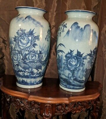 Authentic Antique marked Chinese Vase pair! Finely painted, stunning!