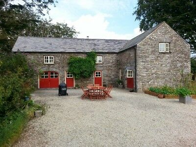 The Barn Pembrokeshire, 5* Tripadvisor, Airbnb, and Owners Direct ratings.