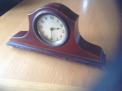A REALLY LOVELY ANTIQUE WOODEN MECHANICAL MANTLE CLOCK.in FULL WORKING.ORDER