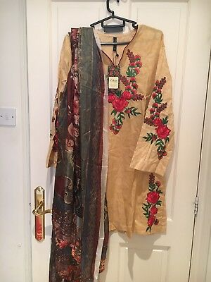 Embroidered Small Kurta With Silk Dopatta By Ethnic By Outfitters