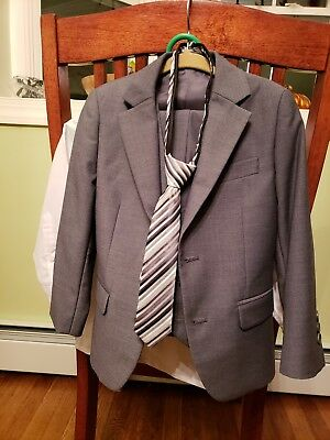 Fouger Boys Suit Size 4, Grey, 3 Piece Plus Shirt And Tie