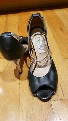 "Women's Comme Il Faut Argentine tango shoes size 39 with 3"" heel. Gently used."