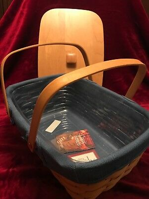 2002 Longaberger Small Market Basket with Blue liner and protector and 2 Handles