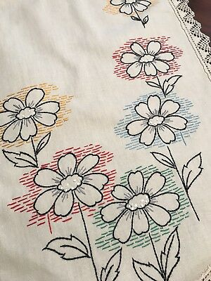 Vintage Linen Table Runner Dresser Scarf Daisies Lace Edging