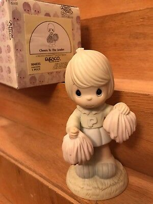 1989 Precious Moments Cheers To The Leader Figurine PomPoms #104035 Initial 'P'