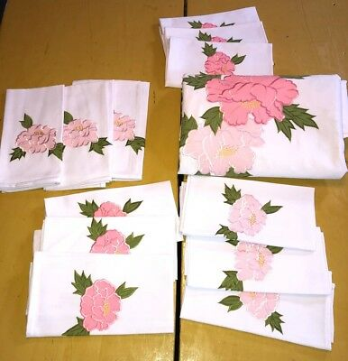 VTG Banquet Tablecloth & 12 Napkins Embroidered/Appliqué Lovely! Pink Green