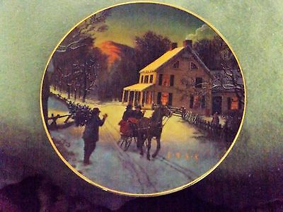Porcelain Trimmed in 22k Gold/Home For The Holidays Christmas Plate/1988/AVON