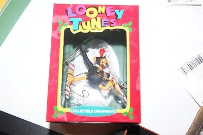 Looney Tunes 1995 Daffy Duck on Snow Skis Christmas Ornament NIB