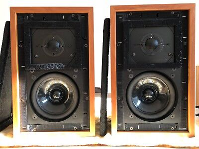 Falcon Acoustics LS3/5a 15 Ohm loudspeakers *beautiful*.