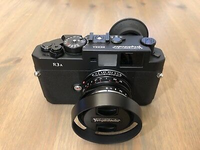 Voigtländer Bessa R3A 35mm Rangefinder Film Camera and Nokton 40mm F1.4 Lens