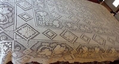 Vintage table cloth rectangle 1.7 metres x 2.2 metres XL detailed crochet lace