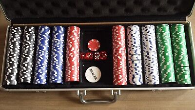 Poker chips in case 500 minus 4 dealer chip dice casino gambling game