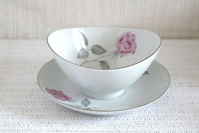 Narumi Fine China - CLASSIC ROSE 5226 Japan Gravy Boat w/ Attached Under Plate