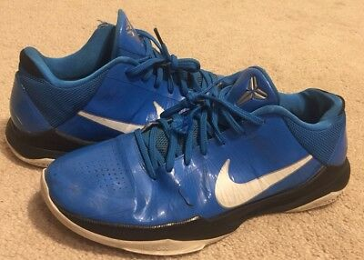 ebc208b9602 ... Nike ZOOM KOBE V 5 Miles Davis Blue Shoes RARE 386429 400 Men s US Size  . ...